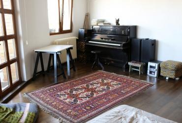 inchiriez apartament central Mosilor complet utilat nou