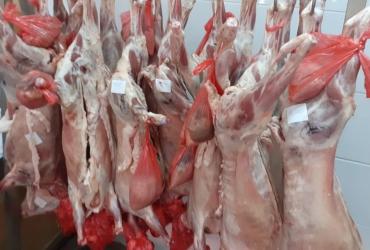 Carmangerie, angajeaza vanzatoare si transator carne.